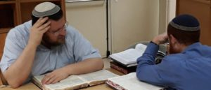 הרב בנימין טבדי והרב ענניאל אהרן בלימודם